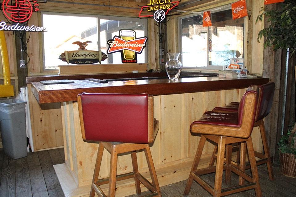 Bar On Porch : Crystelle creek sports porch dog friendly gatlinburg