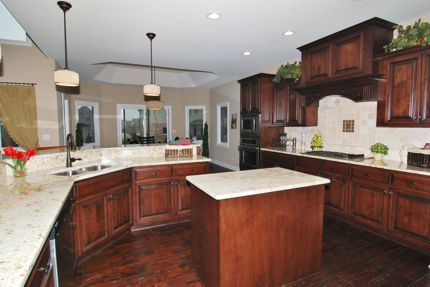 Colonial Gold Granite Kitchen Homer Glen Granite Countertops Insignia Stone Kitchen Projects