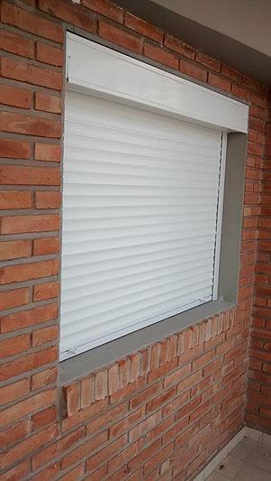 persianas de aluminio con cajon exterior sistema compacto