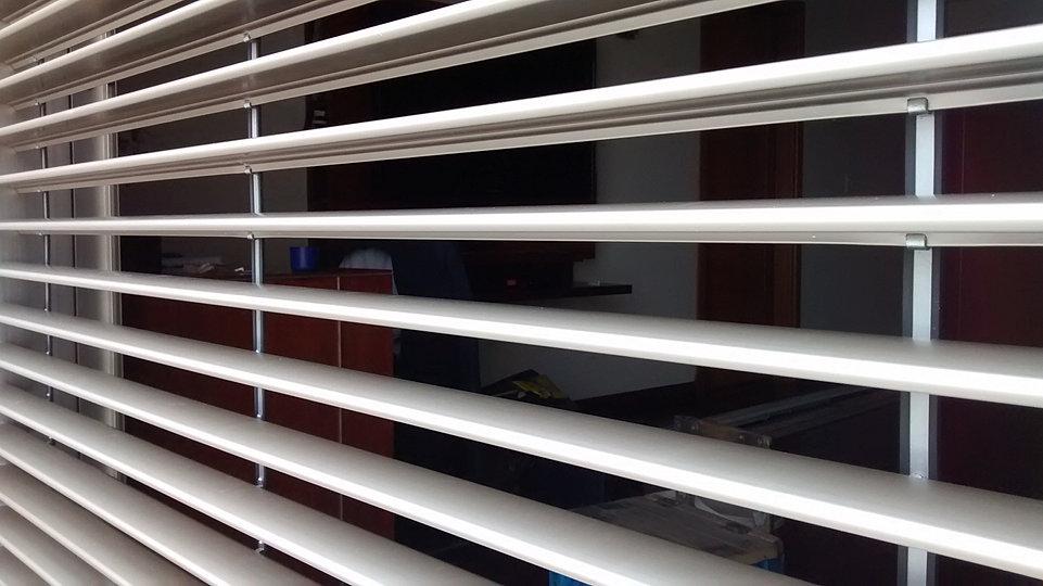 Cortinasmazzeo persianas de aluminio cortinas de enrollar - Cortinas tipo persianas ...