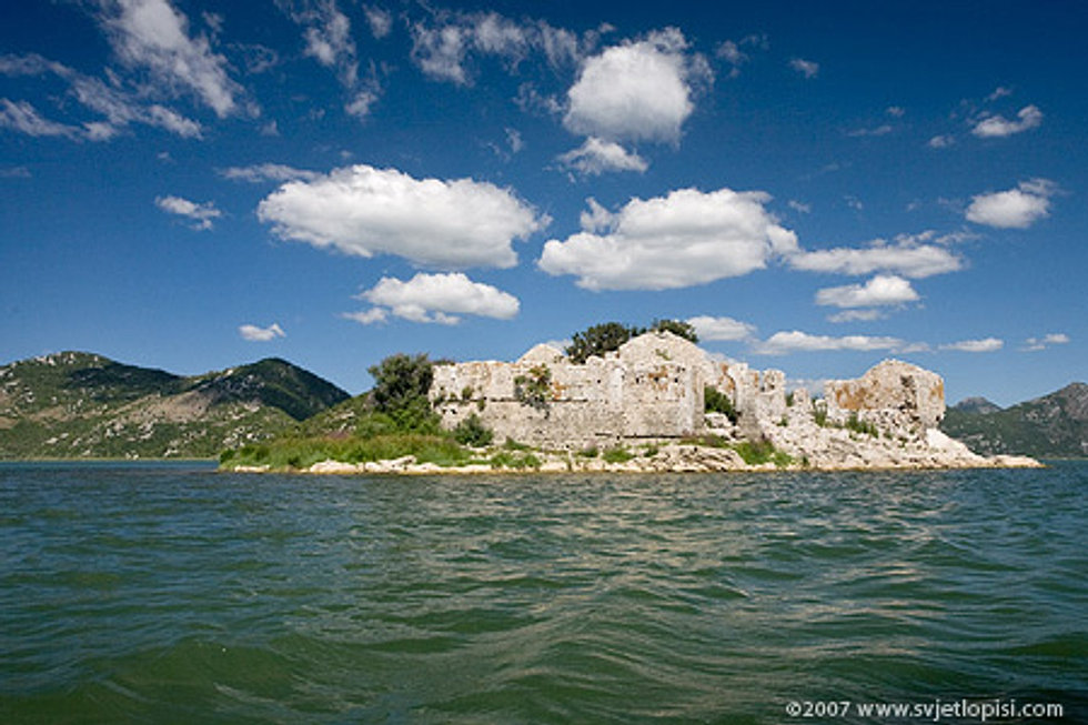 Grmozur island
