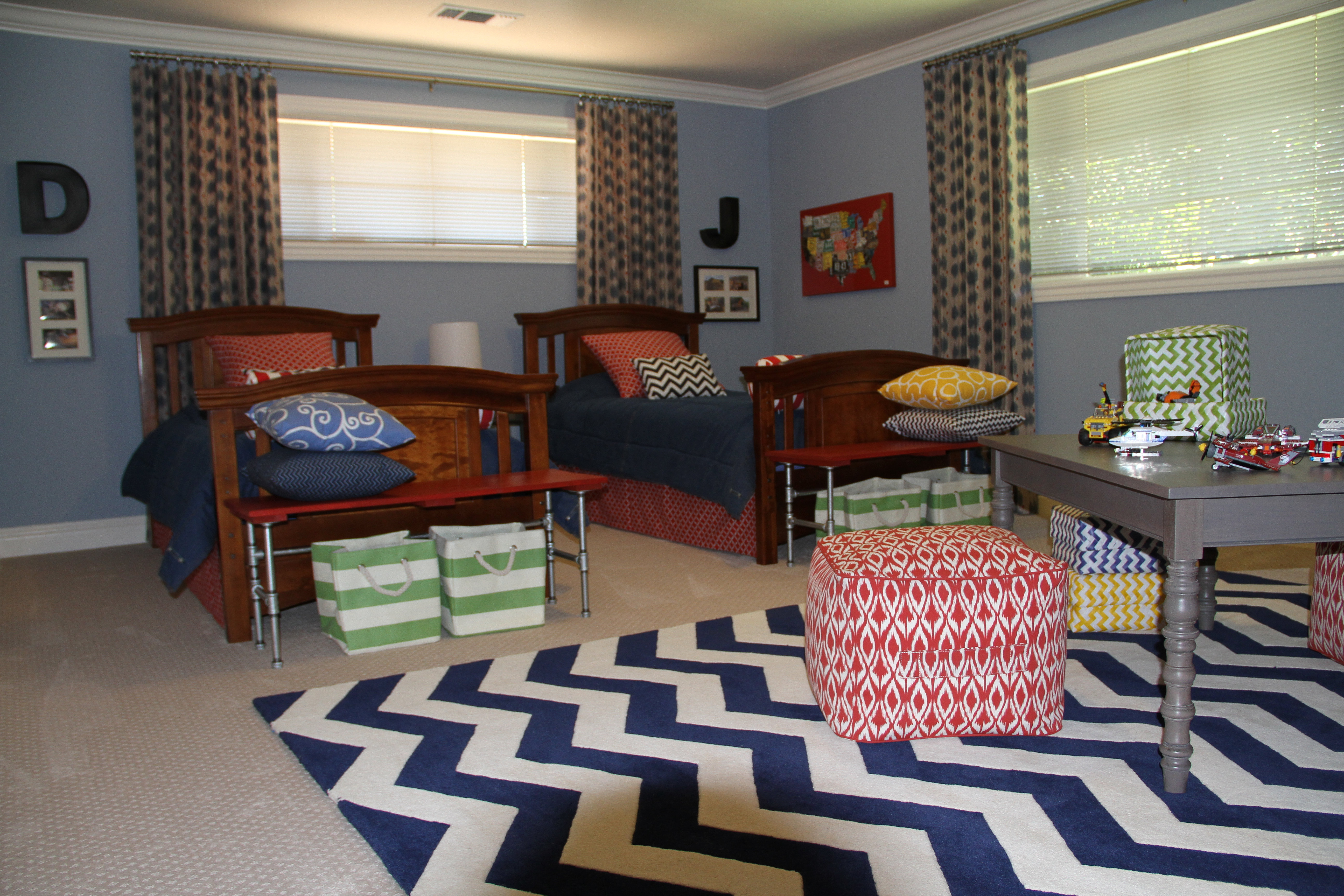 Tina jack designs brothers bedroom 5 for Brothers bedroom ideas