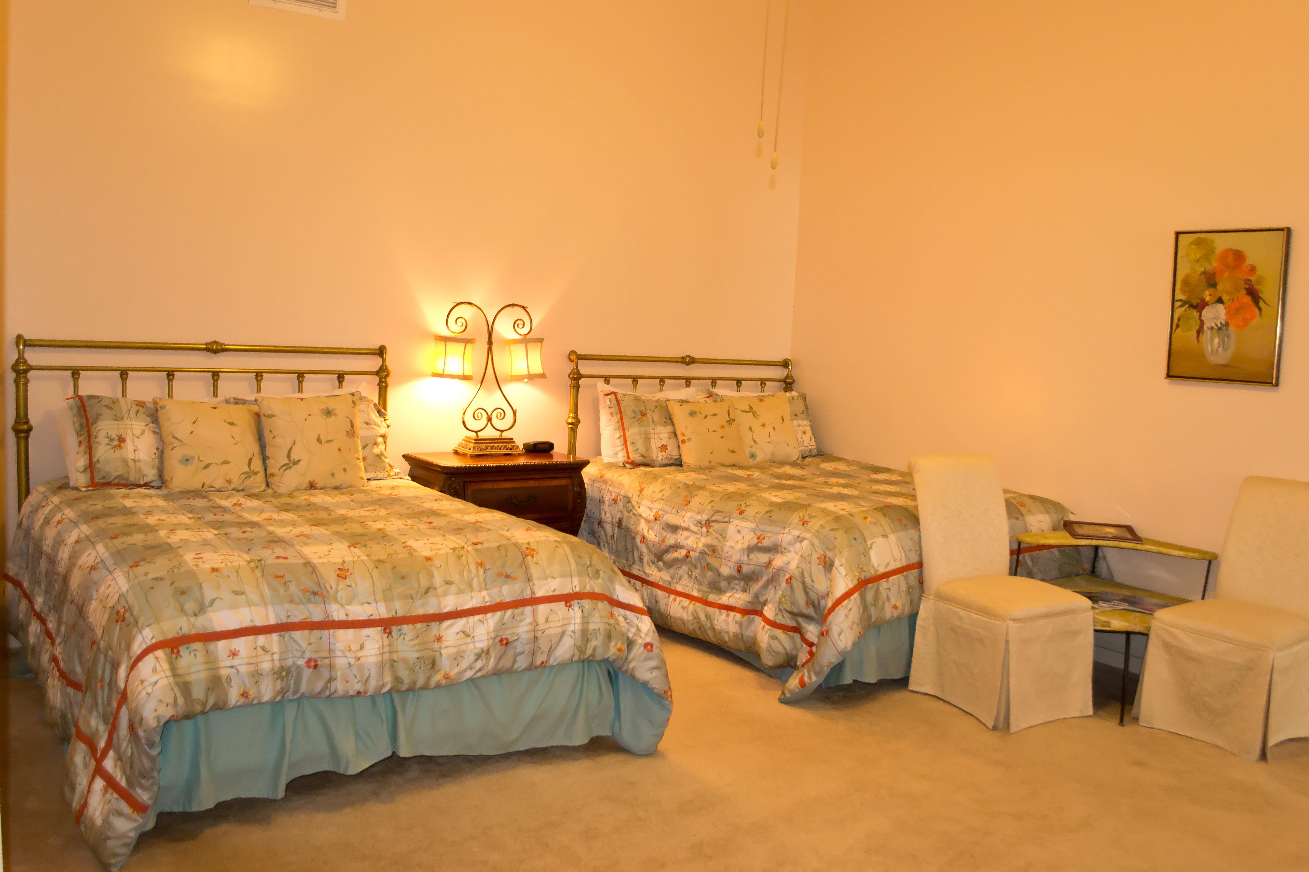 Arcadia Inn Room