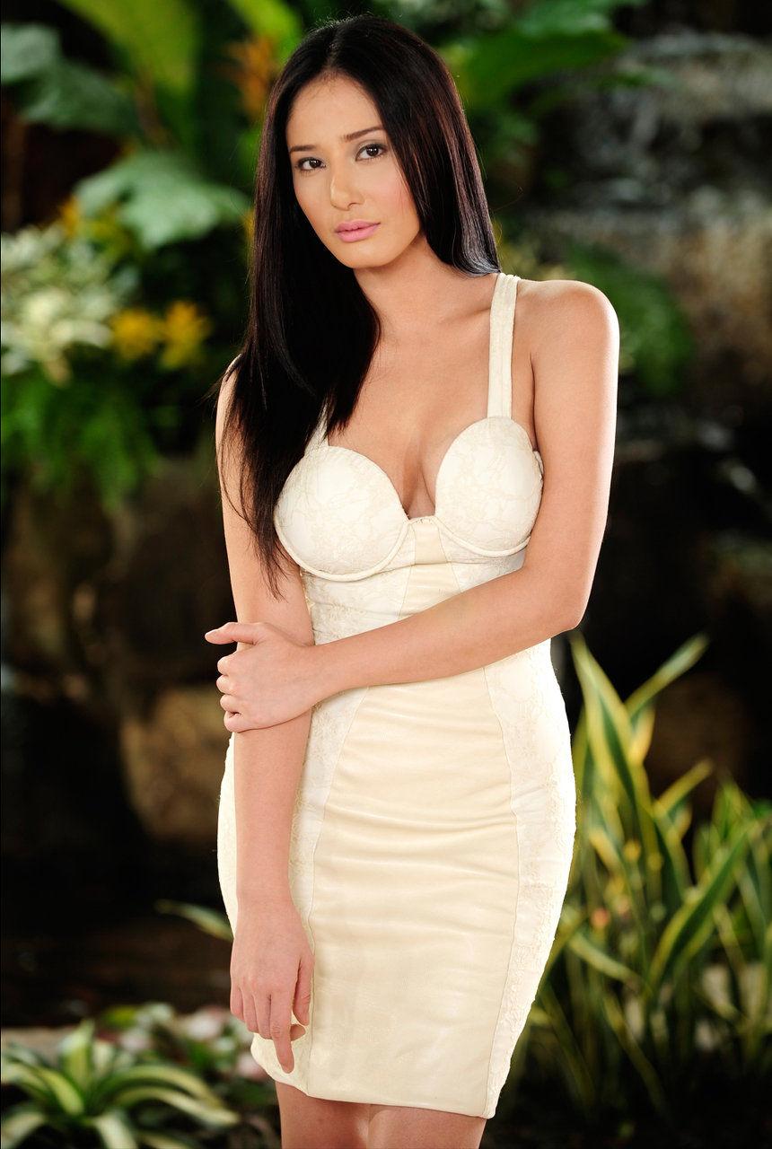 Katrina Halili Nude Photos 41