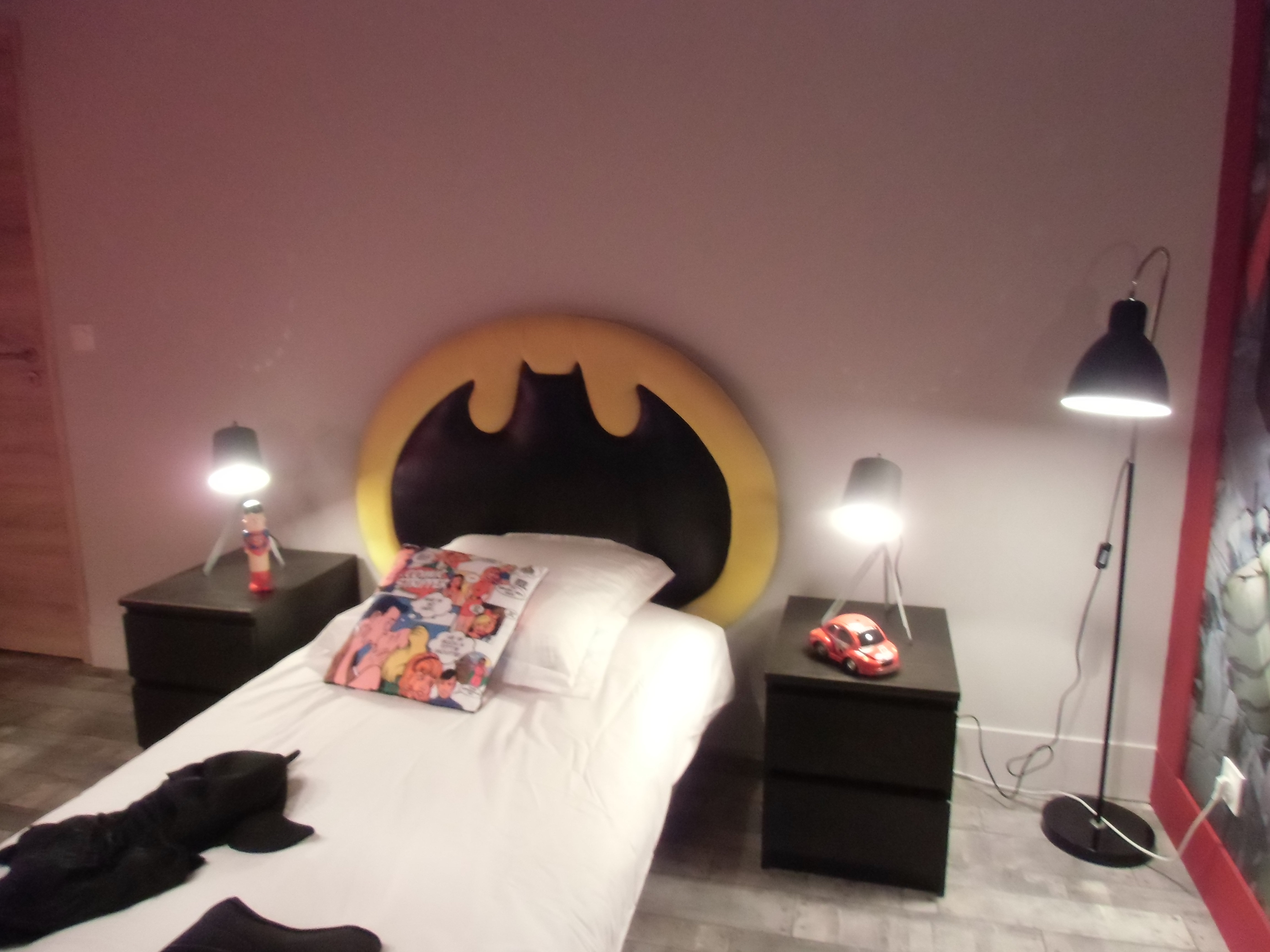 t te de lit batman dco design. Black Bedroom Furniture Sets. Home Design Ideas