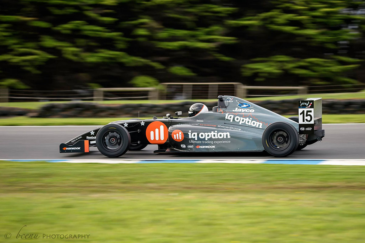 iqoption racing