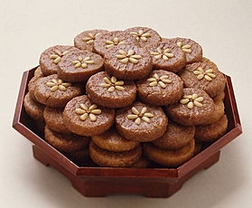 YAKGWA: KOREAN HONEY COOKIE