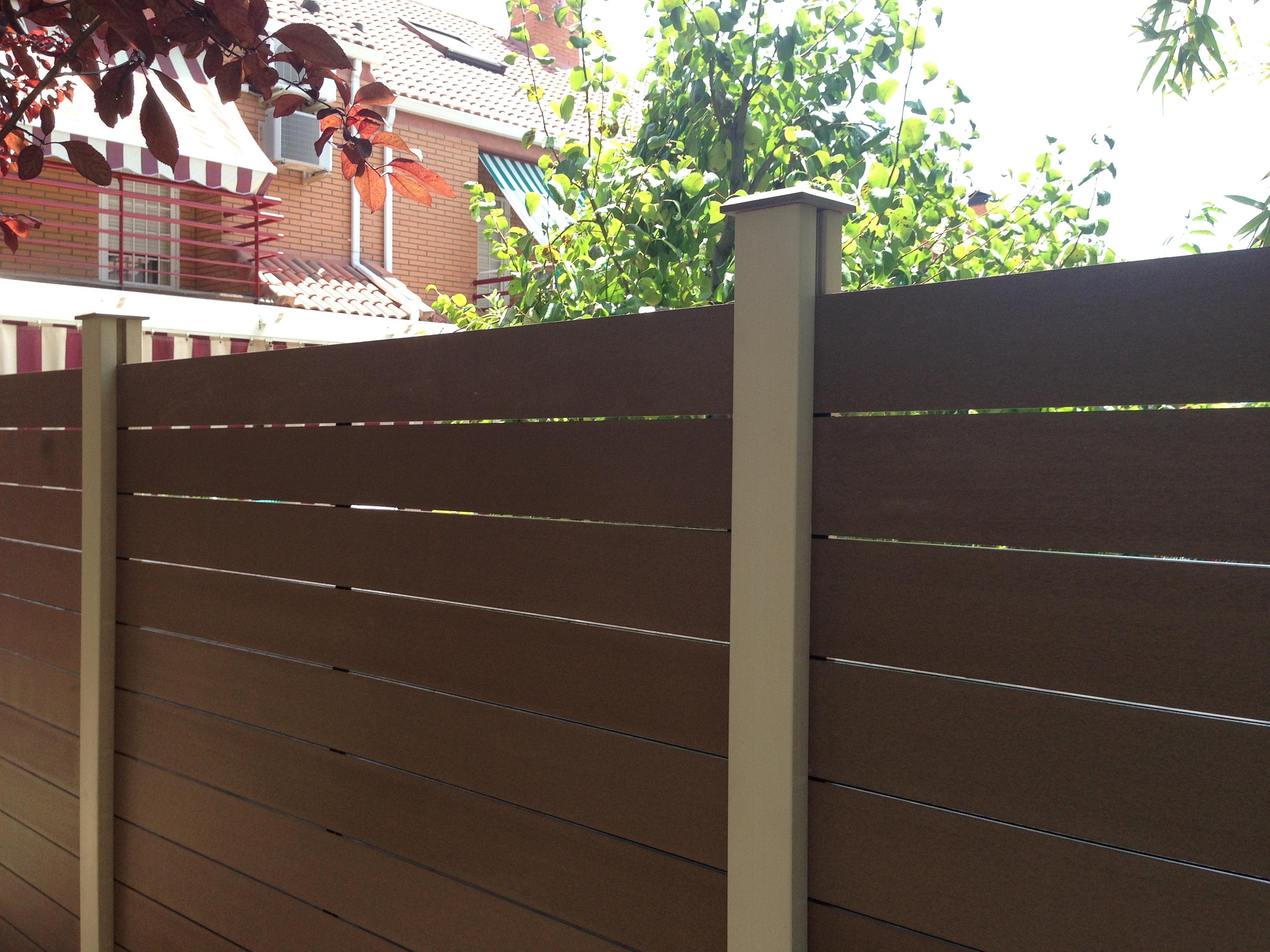 Tarima exterior sint tica suelos y fachadas - Cerramiento de madera ...
