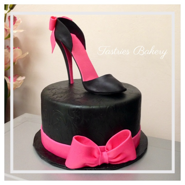 Pics Of High Heel Shoe Cakes