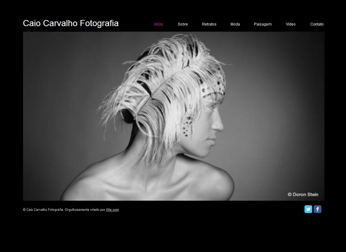 Portfólio Fotográfico Template - Um website para porfólio em HTML pronto para enfatizar e acentuar o seu talento. Adicione sua mídia e texto para personalizar. Edite e atualize com facilidade. Venha para o mundo virtual hoje!