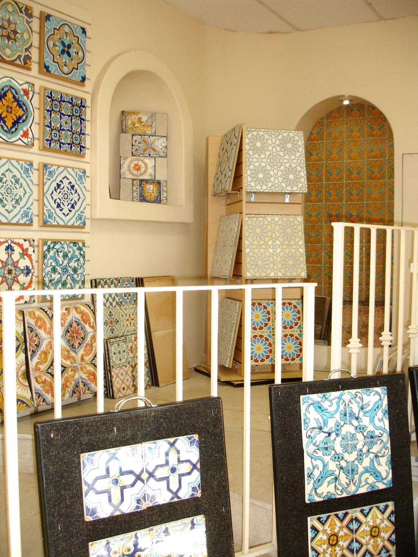 CHIC TILE- Porcelain - glass tile - stone- Decorative tile- mosaics
