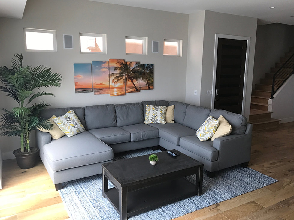 The Beach House HB (Men): Located Blocks From Downtown Huntington Beach.  This House Is Set Up For PHP, IOP And OP Clientele With Mandatory Job  Search After ...