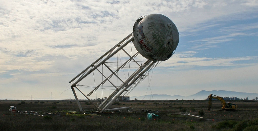 Water Tower Demolition : Element contracting environmental demolition abatement