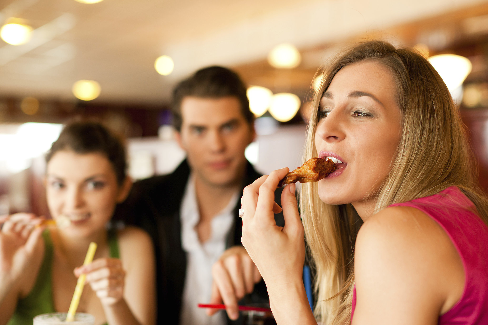 fast food restaurants and our eating Eating high-carb fast food increases your blood sugar as you consume white-flour-based foods — such as the bun from a burger, or french fries with your sandwich — your body takes in a large amount of white sugar.