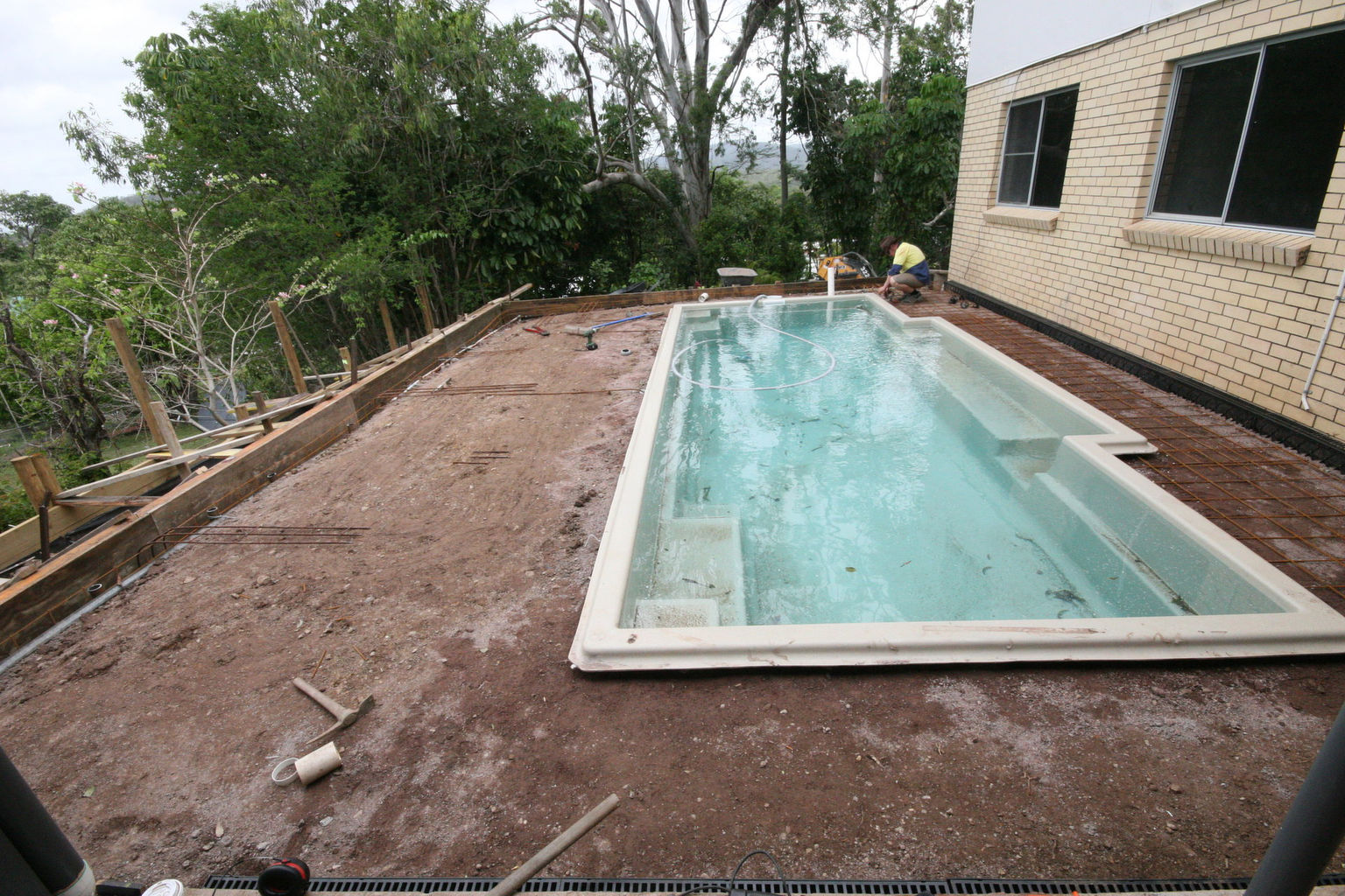 Block Retaining Wall Mackay : The pool centre leaders in quality fibreglass installations