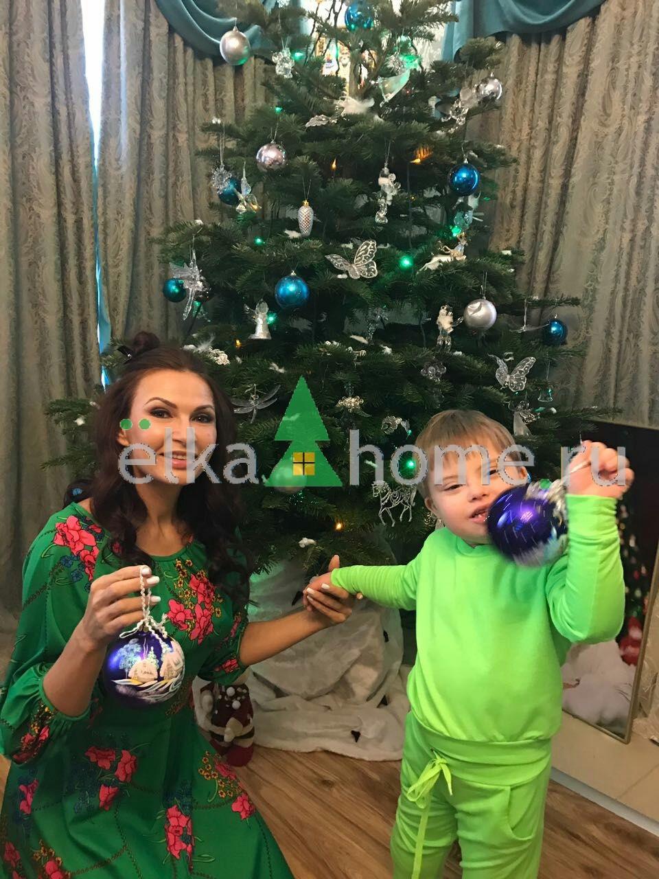 Эвелина бледанс фото с ребенком 2018