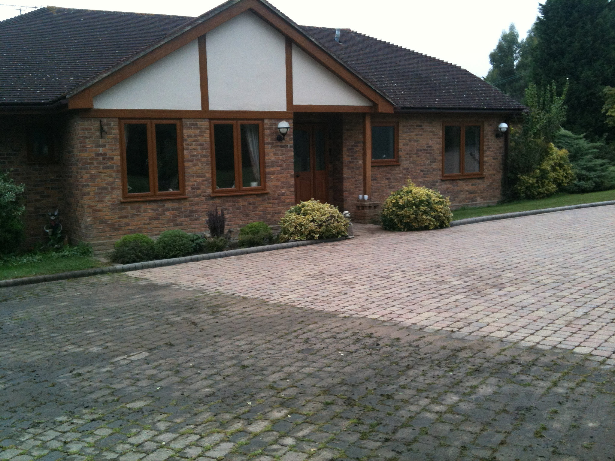 Prisma pro interior plat series amp tech series - Driveway Cleaning Essex Patio Cleaning Essex Gutter Cleaning Essex