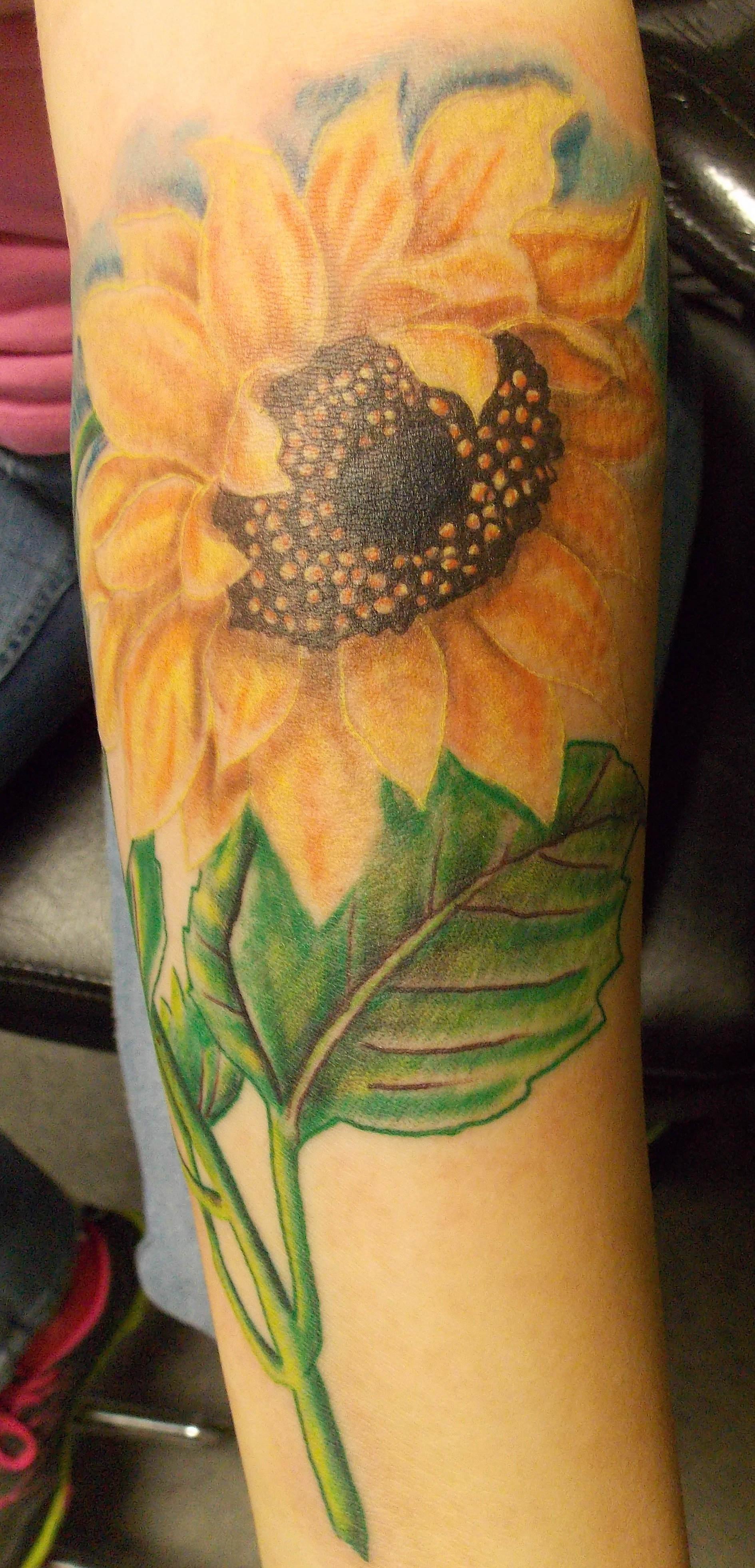 Realistic color tattoos  photo realism tattoosRealistic Sunflower Tattoo On Shoulder