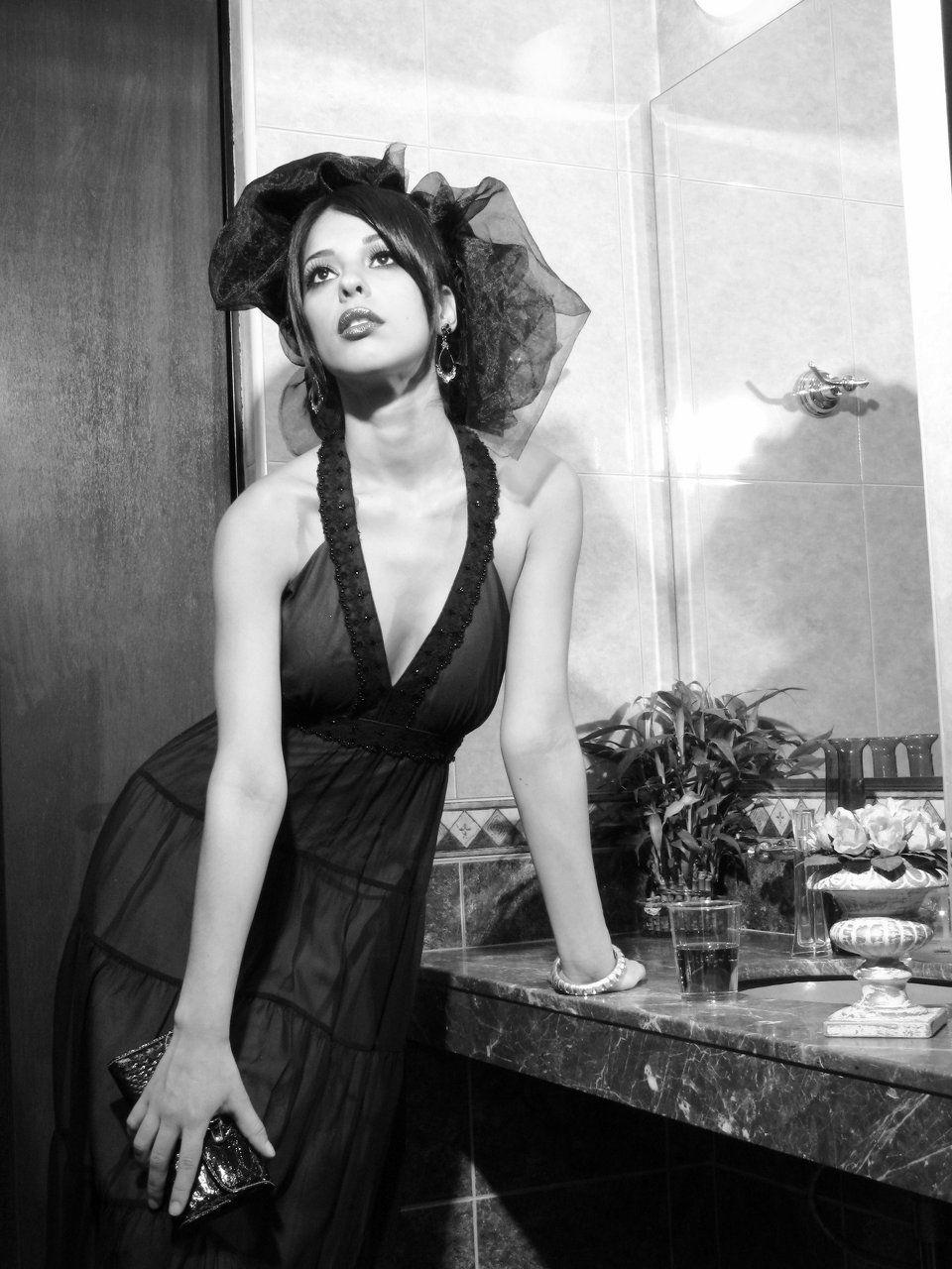 Nadia Quezada Nude Photos 32