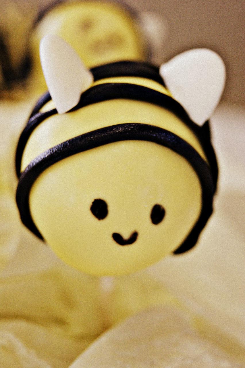 bumblebee cake pop
