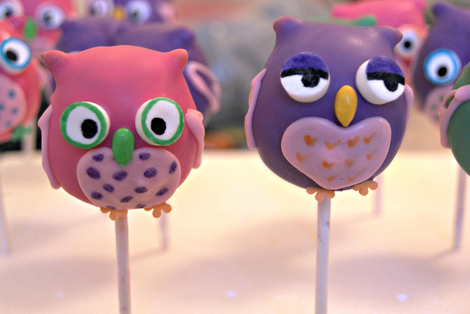 Owl cake pop