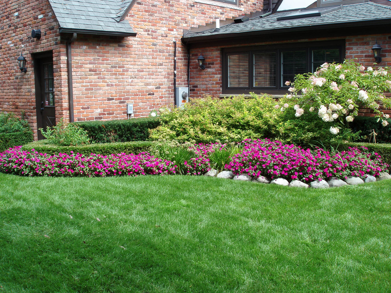 Humble Lawn Care Lawn Maintenance Irrigation Fence Repair.jpg