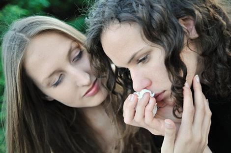Людей, любящих безответно, часто жалеют и утешают