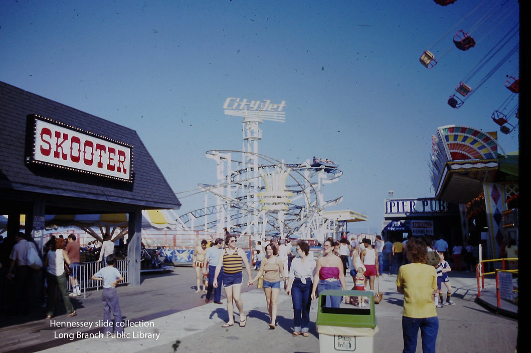Amusement rides at LB Boardwalk.JPG