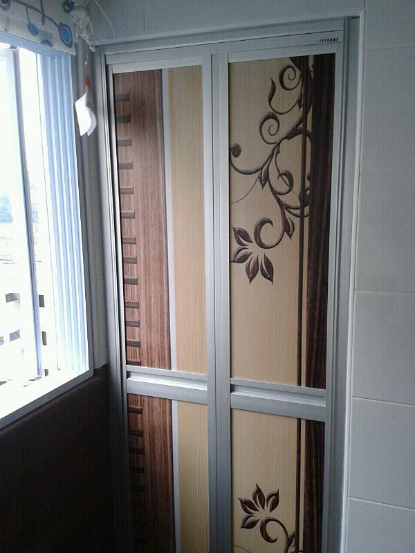 Bathroom and toilet bifold doors singapore