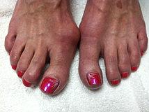 Hot Pink Toes.JPG