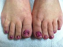 Pink Zebra Toes.JPG