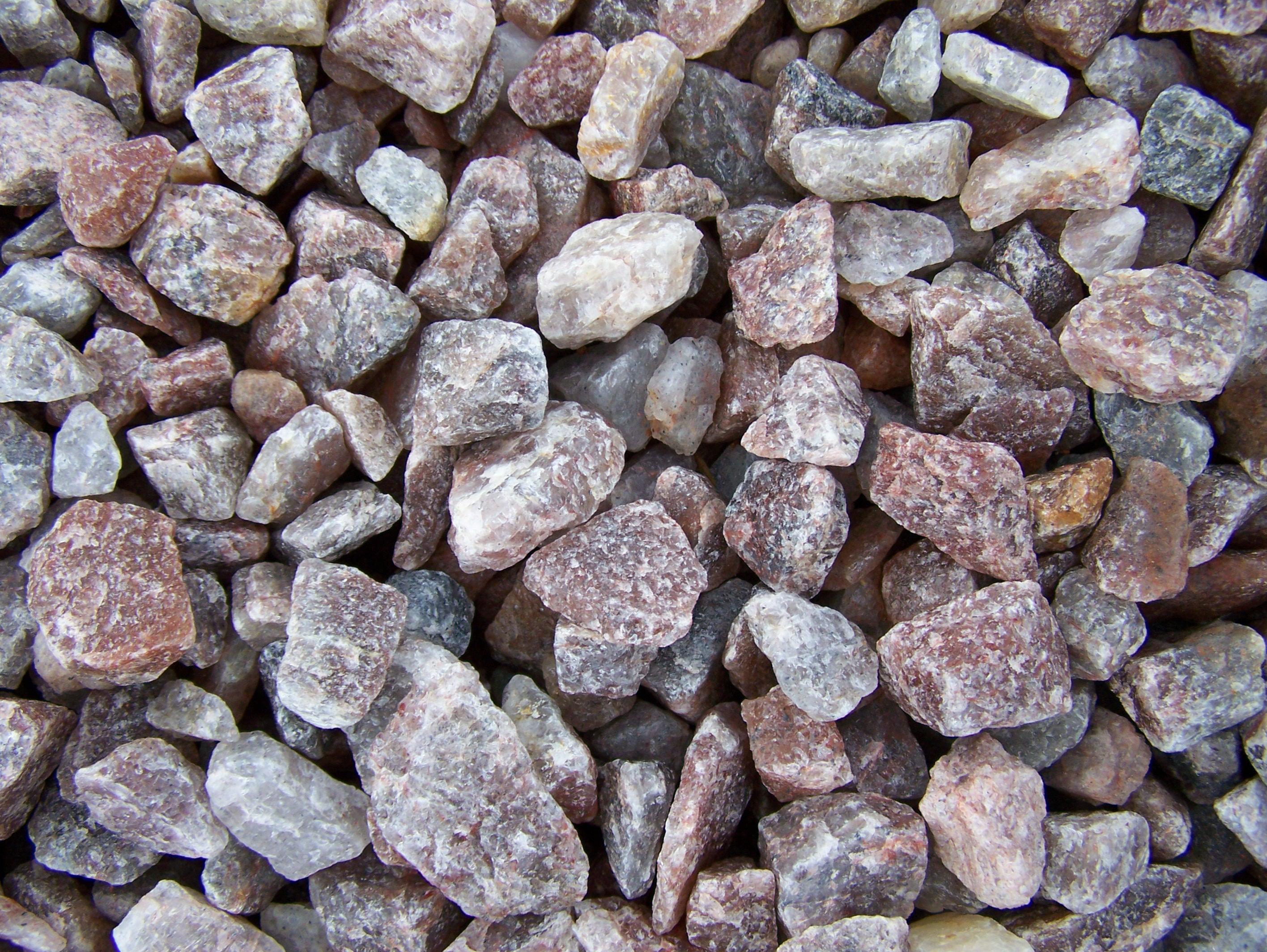 Gold coast landscaping inc pink quartz for Landscaping rocks quartz