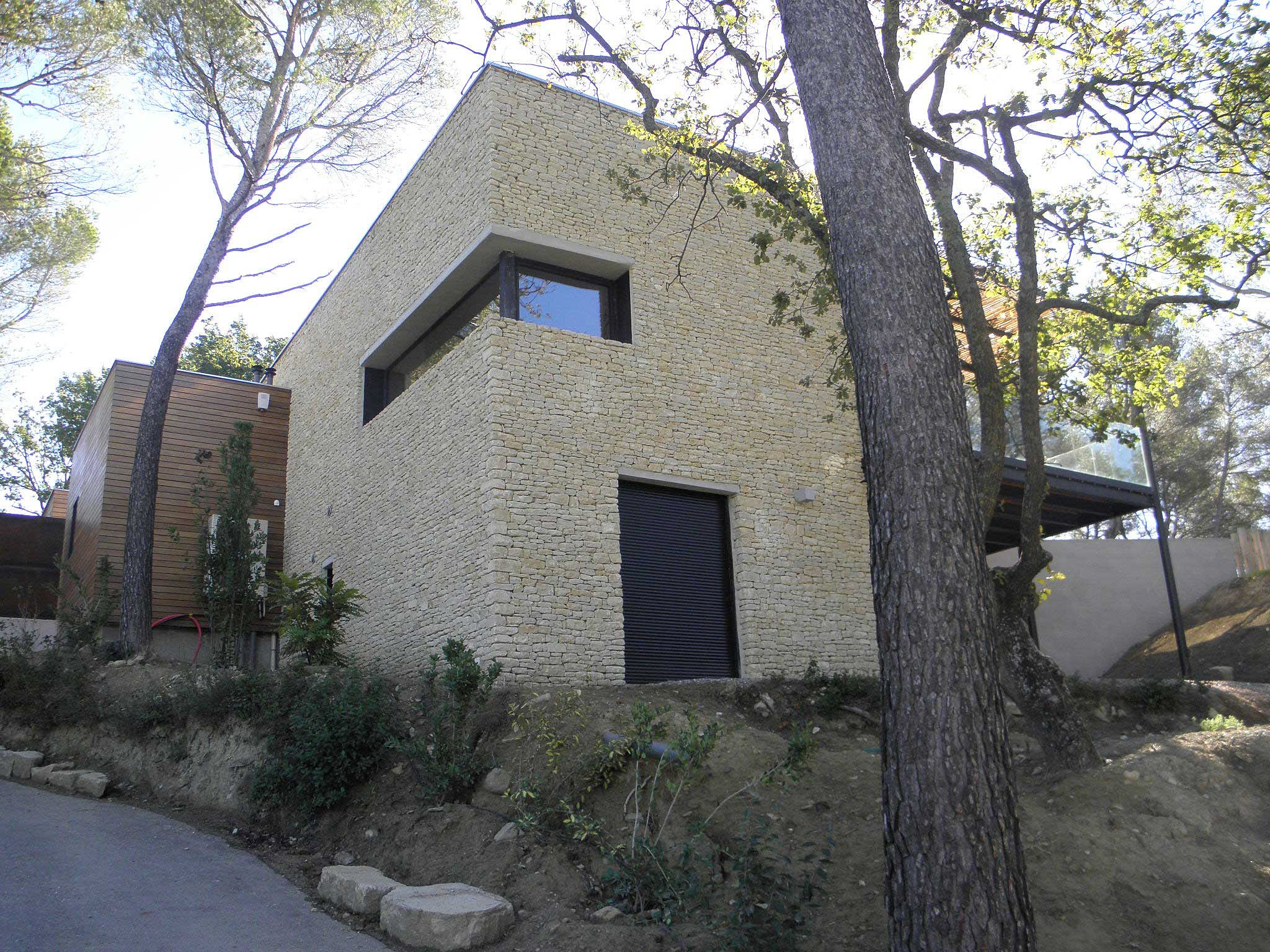 Philippe gonnet architecte avignon maison contemporaine pernes - Bardage metallique maison ...