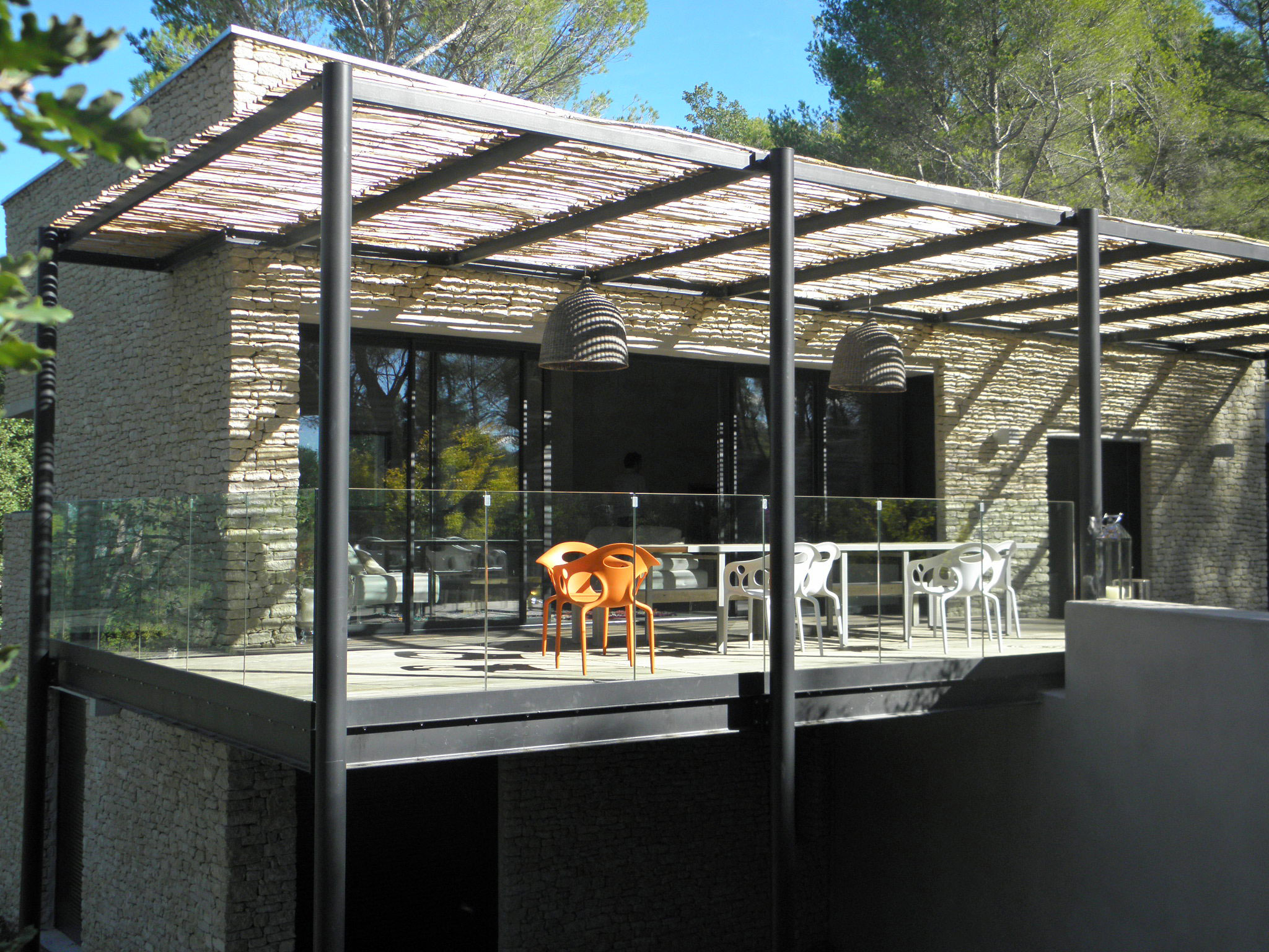 jardin avec pergola. Black Bedroom Furniture Sets. Home Design Ideas