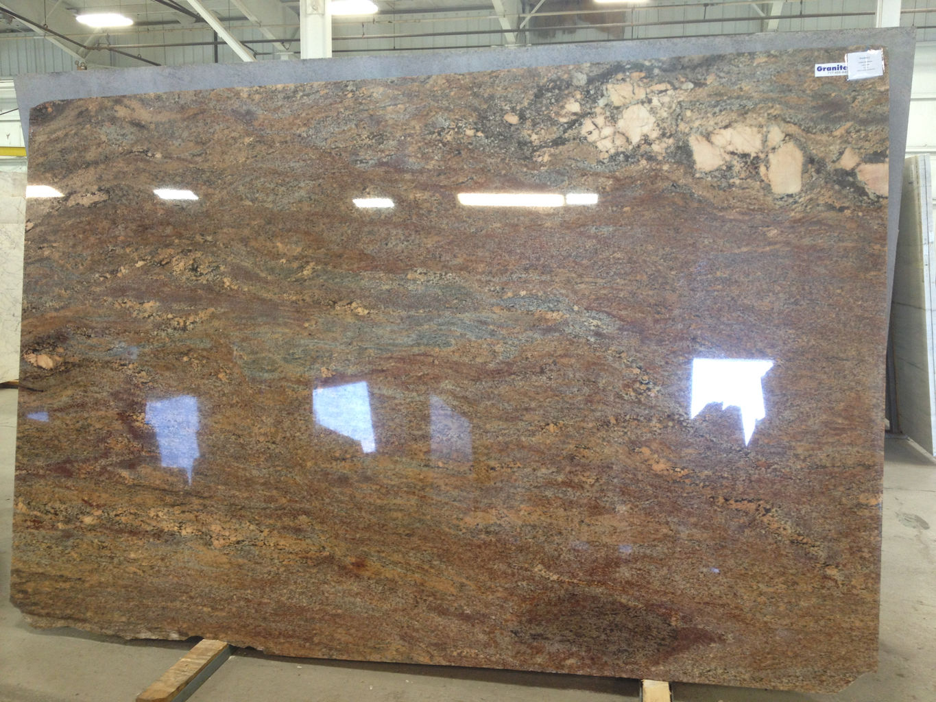 Crema Bordeaux - Granite