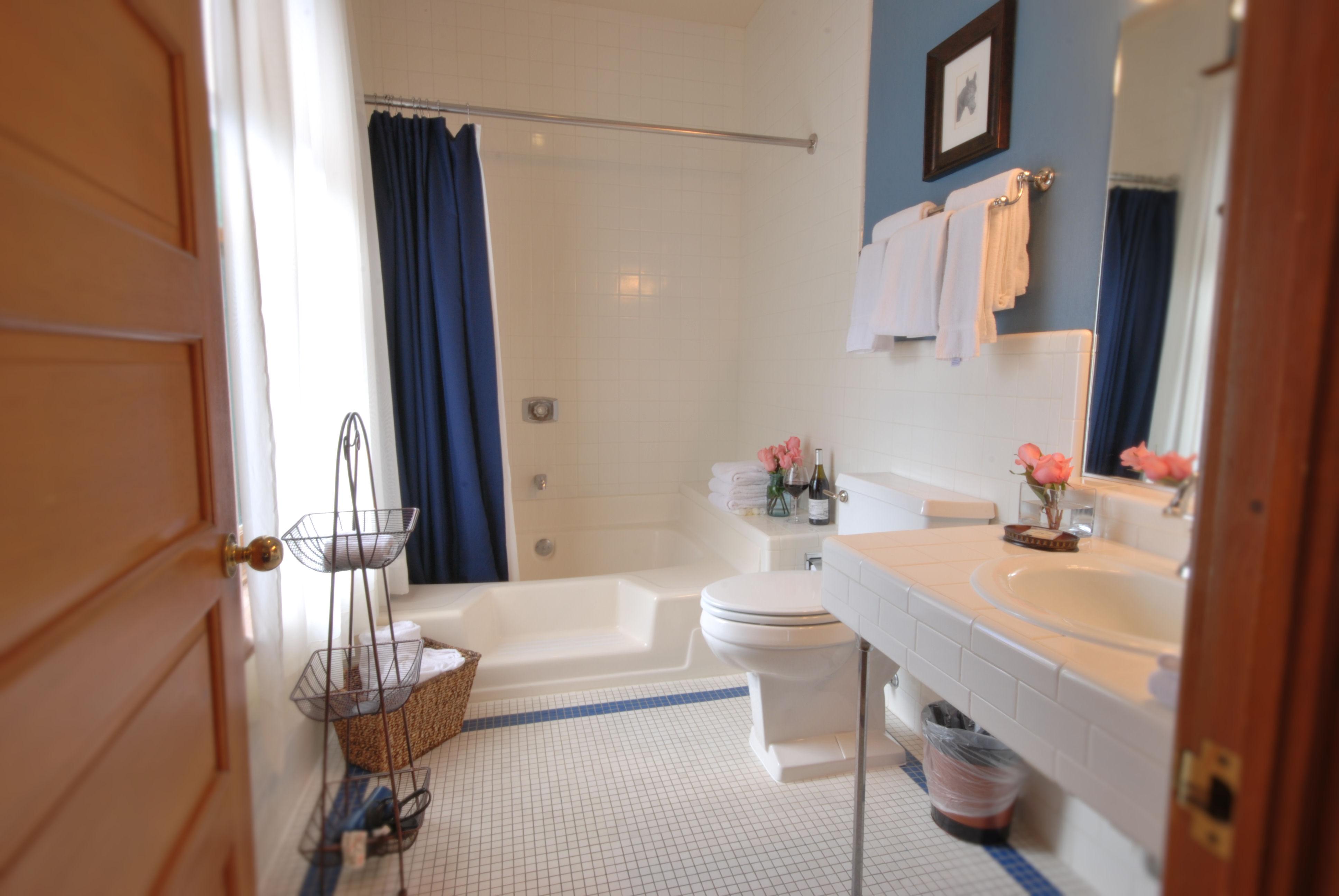 Hotel Vendome - Prescott, AZ | Garden Tub