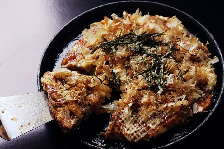 osakas best seller okonomiyaki