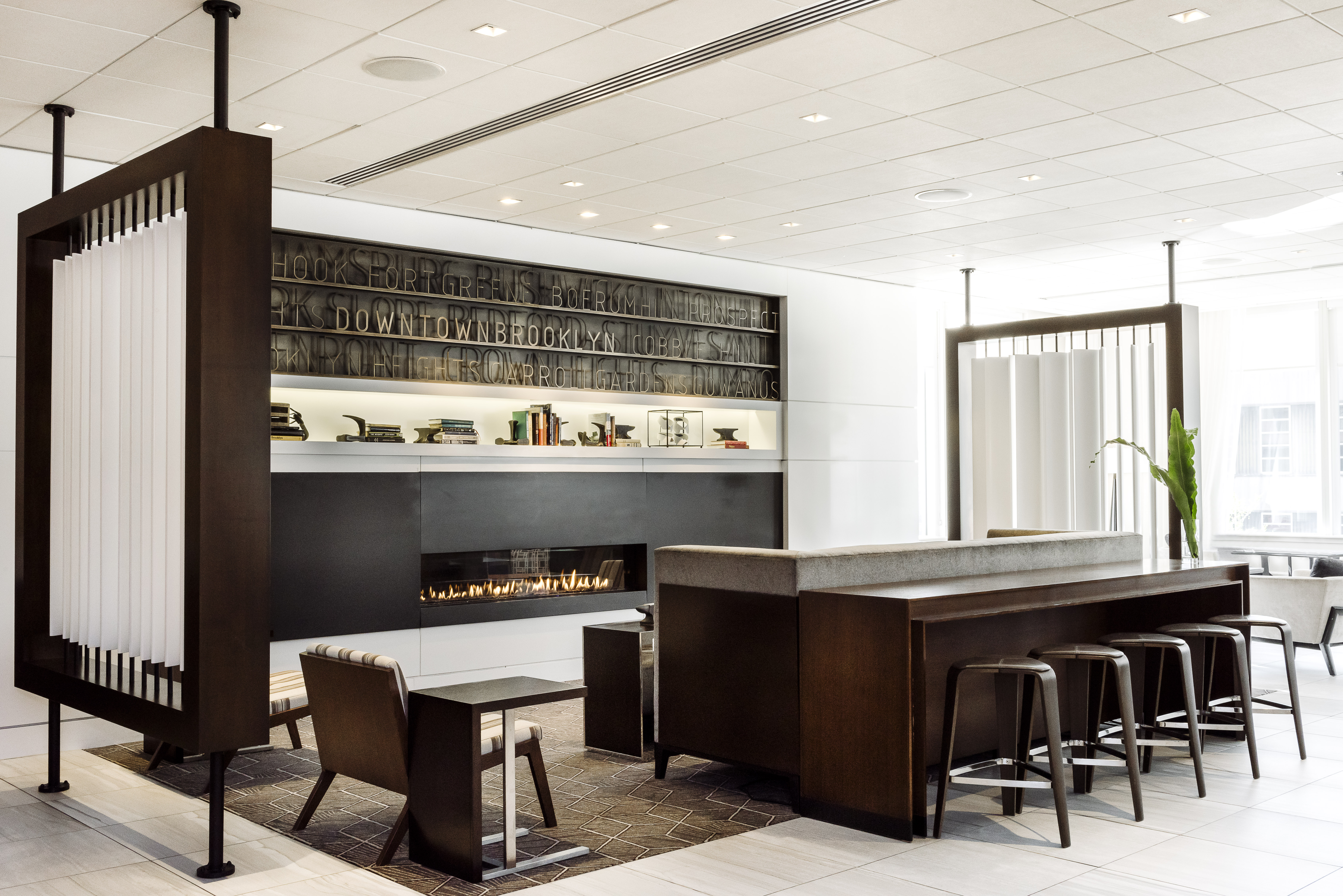 New york interior design firm completes brooklyn marriott hotel krause sawyer nyc interior for Small interior design firms nyc