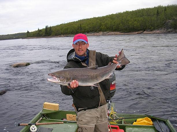 Le poisson sur les coulis dans la pêche russe