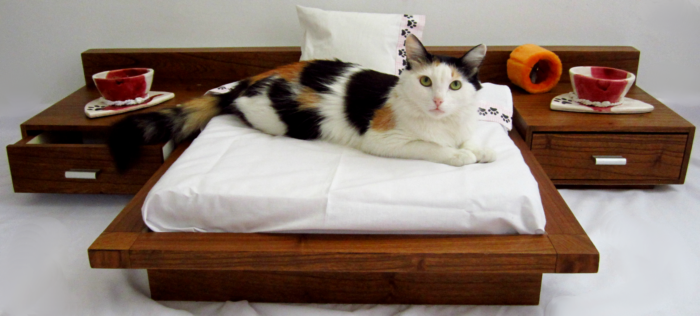 Luxury Cat And Dog Beds