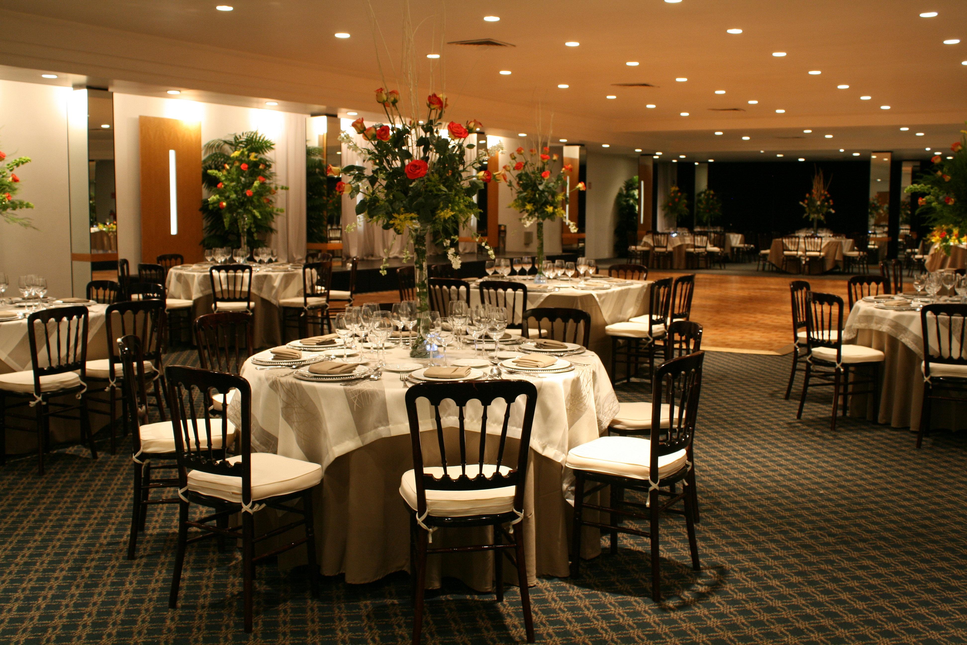 Banquetes rioja sal n de banquetes hispanidad for Salon n 6 orleans