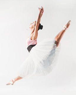 bailarin-de-ballet-que-lleva-el-tutu-que