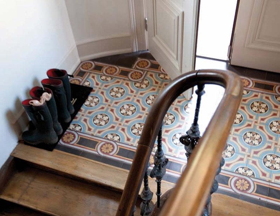 treppen fliesen stufenplatten. Black Bedroom Furniture Sets. Home Design Ideas