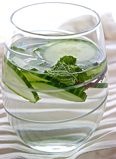 Cucumber and mint infused water recipe, infused water recipe, fruit infused water