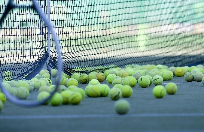 tennis-2100437_1280.jpg