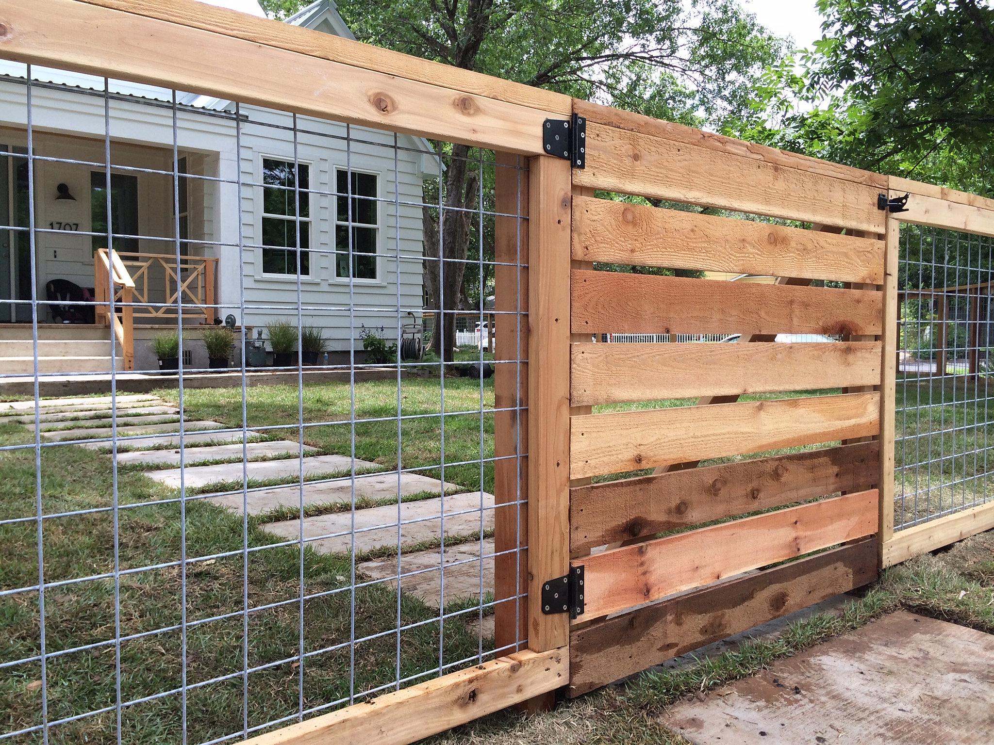 bull panel horizontal wood fence