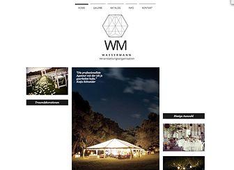 Luxusveranstaltungen Template - Ein Luxusunternehmen verdient eine Luxusseite! Das elegante Layout machen diese Vorlage zum perfekten Ort, um Ihre Waren und Dienstleistungen zu präsentieren. Beginnen Sie mit dem Bearbeiten und stellen Sie Ihre Homepage noch heute online.
