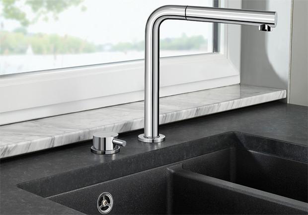 3 astuces gain de place pour installer un vier de cuisine devant une fen tre architecture et. Black Bedroom Furniture Sets. Home Design Ideas