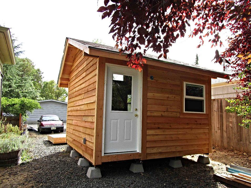 backyard bungalows llc