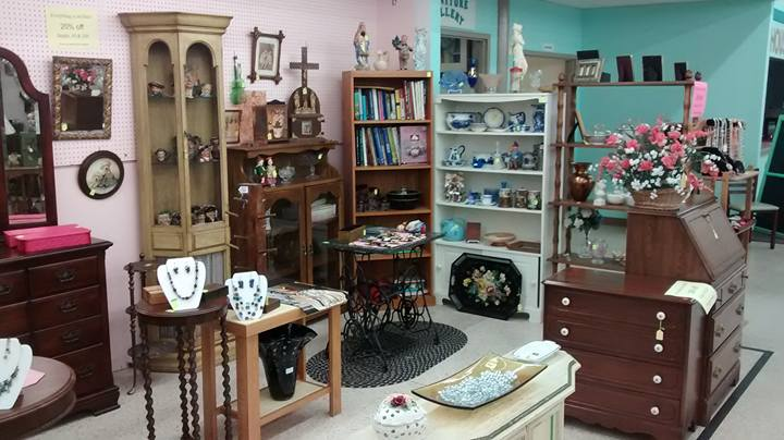 Let your curiosity run free when you explore our emporium of unique  treasures, both new items and distinct antiques. Our store brings together  over 100 ... - Antiques & Uniques - One Of The Largest Antique Malls In Ohio!